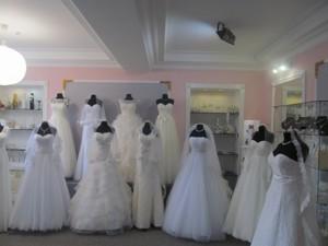 Магазин, Коновальца Евгения (Щорса), Киев, O-20072 - Фото3