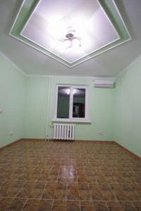 Офис, Дарницкий бульв., Киев, Z-576832 - Фото3