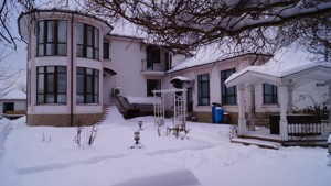 House Vita-Poshtova, R-4034 - Photo