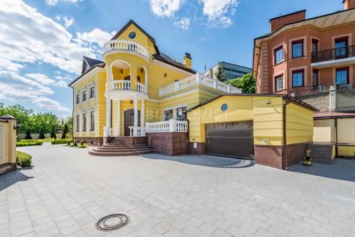 House, R-26645