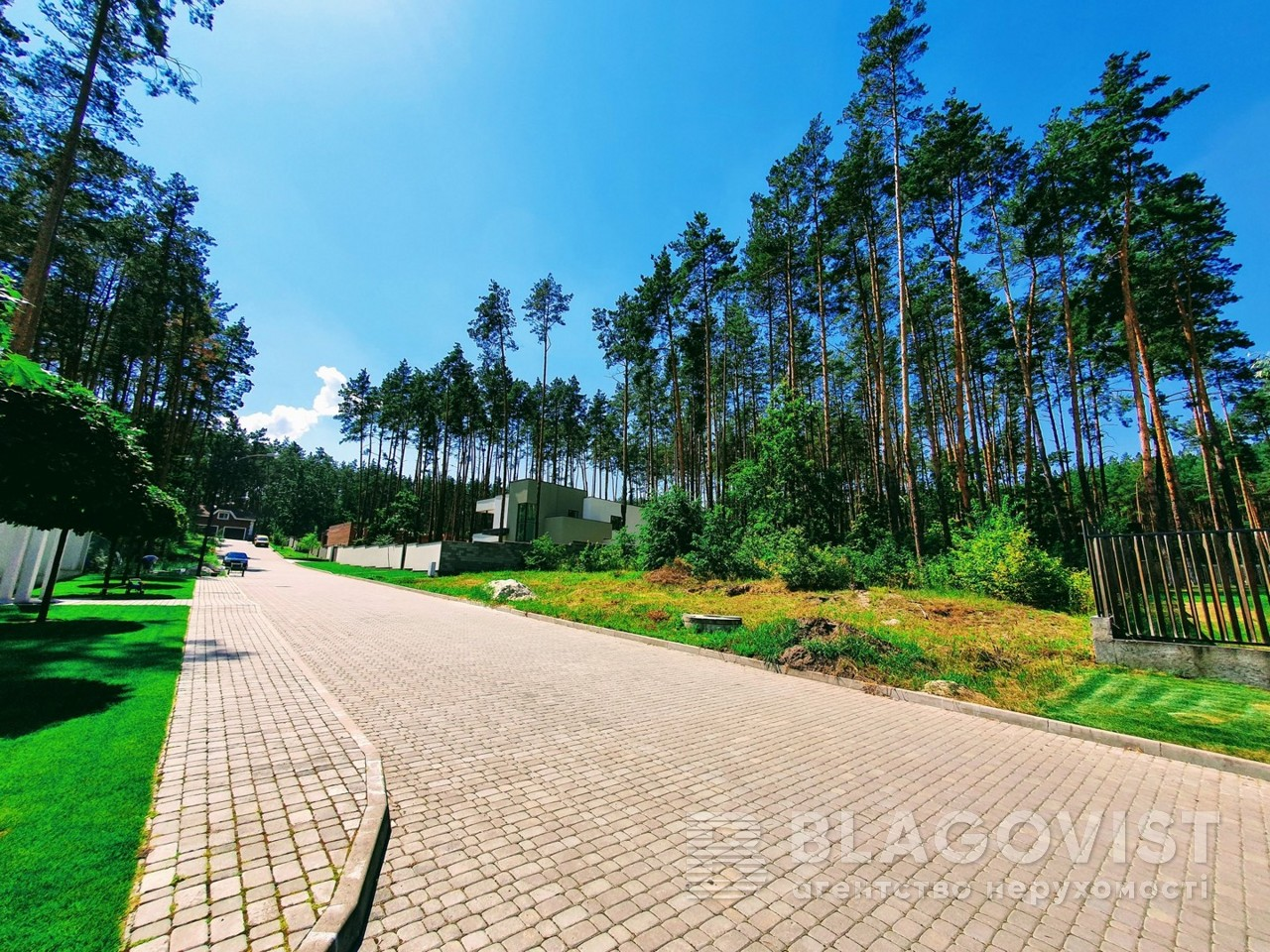 Земельный участок P-28502, Осенняя, Стоянка - Фото 2