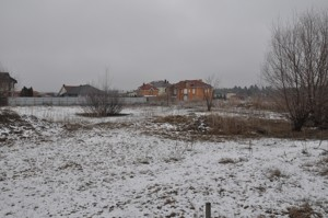 Land Novi Bezradychi, I-23840 - Photo 4